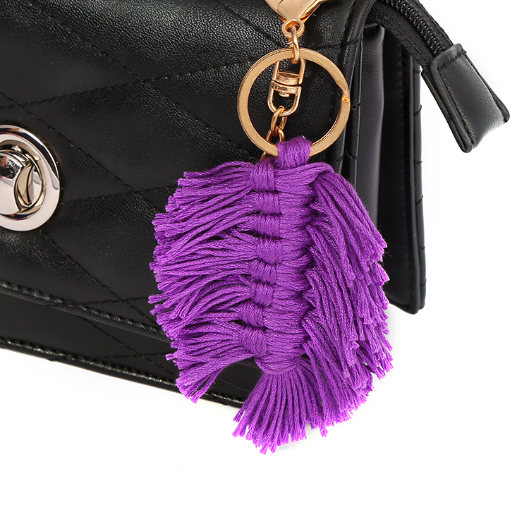 New Products Factory Wholesale Metal Keychain Pompom Key Chain with Tansel